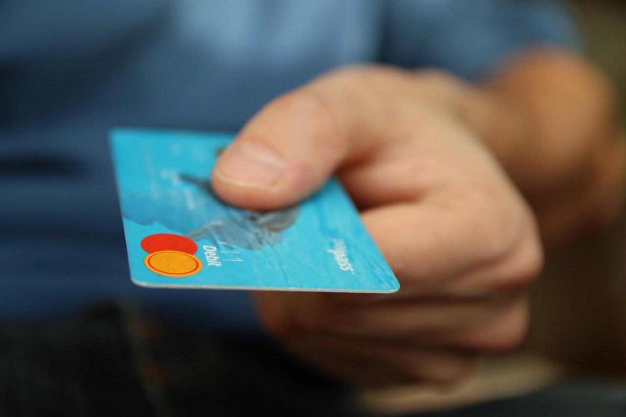 Soomes on ohus sajad tuhanded uued pangakaardid