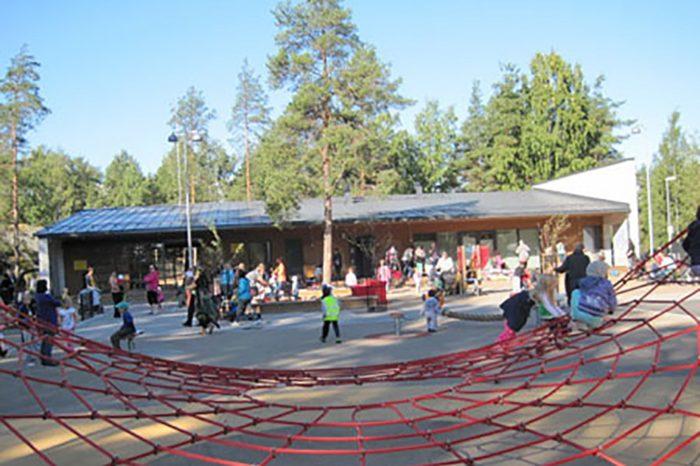 Helsingi mänguväljakutel pakutakse suvel taas tasuta toitu