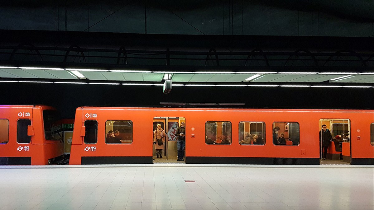 Väike vääratus 1,2 miljardit maksnud Länsimetros – rongijuhtidele jäid jaamadesse vetsud tegemata
