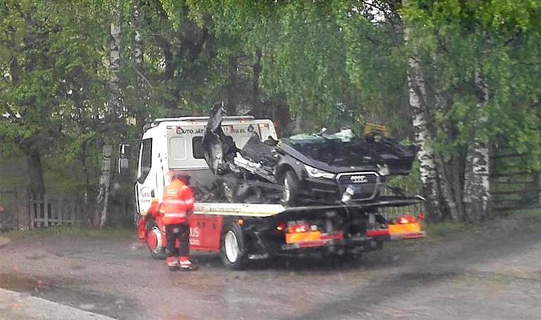 Soome noored sõitsid end otse-eetris autoga surnuks?