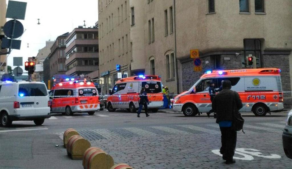 Helsingis rahva sekka sõitnud mees saadeti vangimaja asemel ravile
